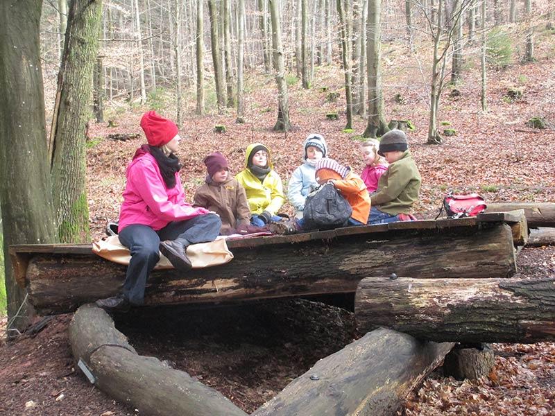 Maerchen-erleben-im-Wald