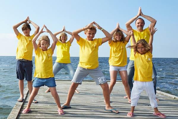 glückliche Familie am Meer